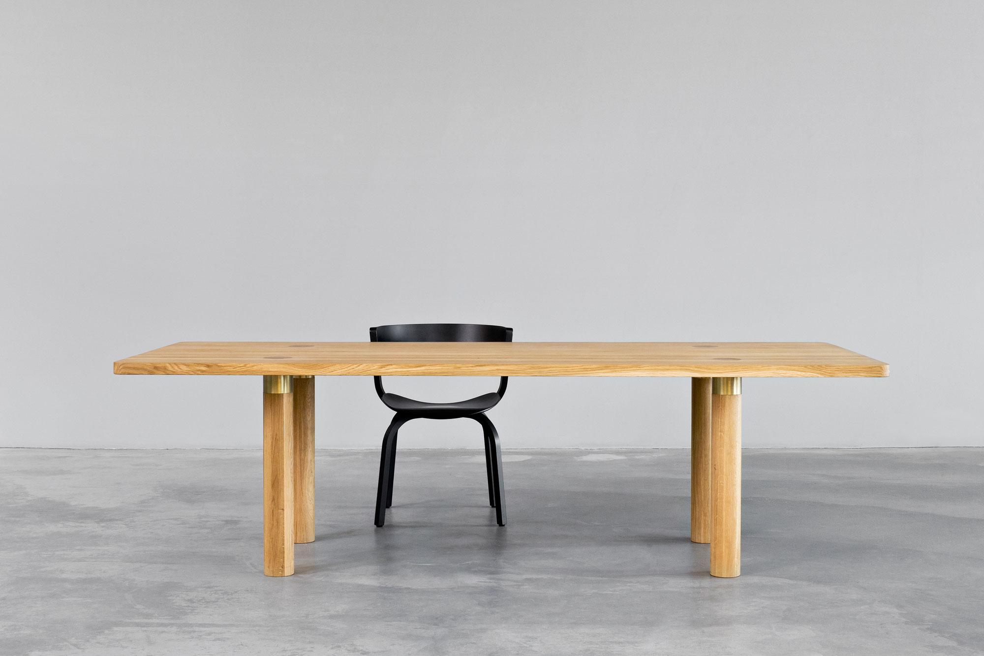 morgen-kollektion-pole-table-1
